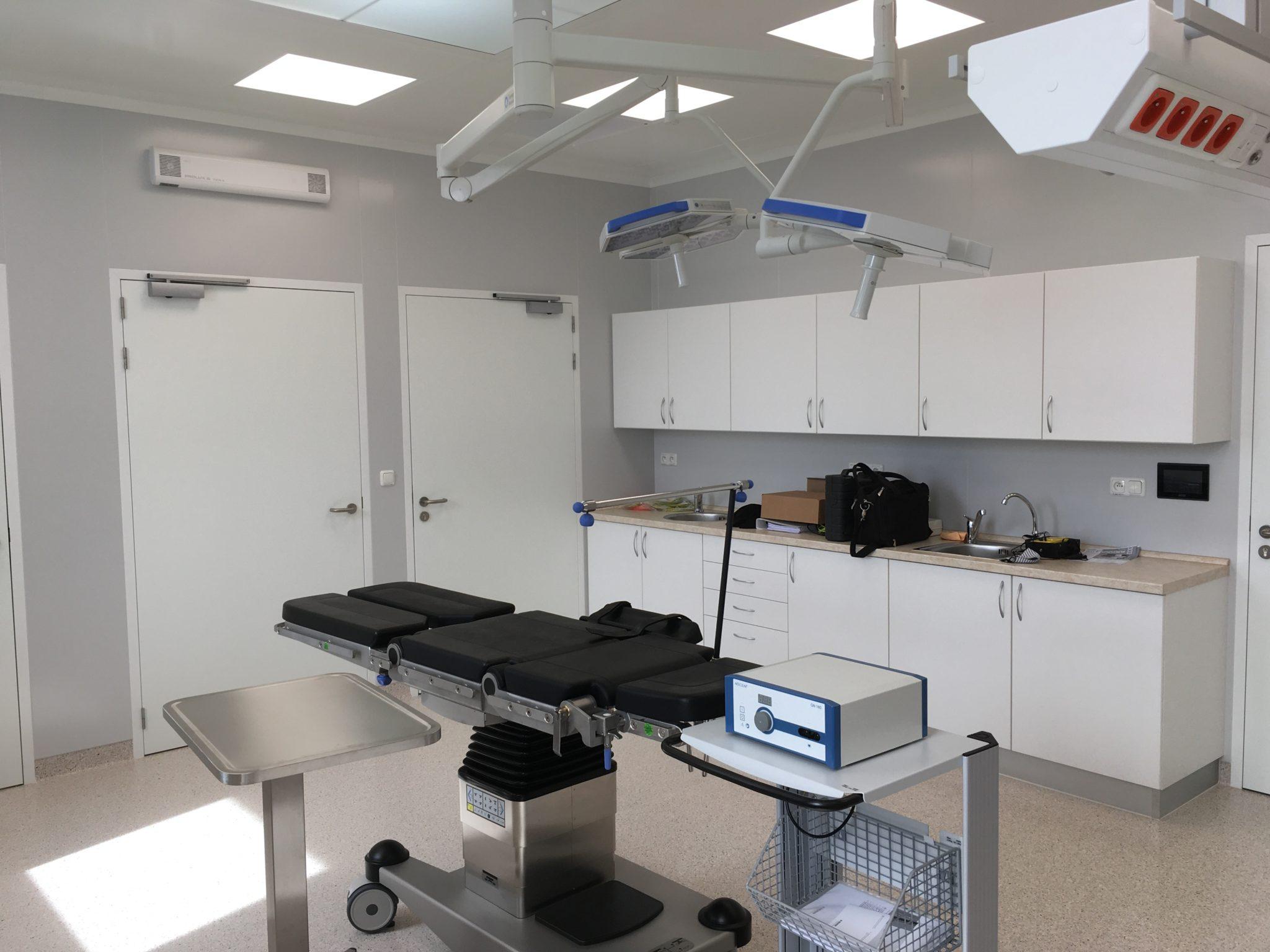 Interiér zákrokových sálů pro Ústav chirurgie ruky a plastické chirurgie